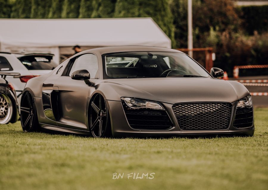 Audi R8 - KV1 Schwarz glänzend
