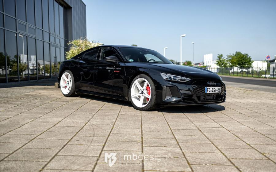 Audi RS e-tron GT - KV1 S Silber