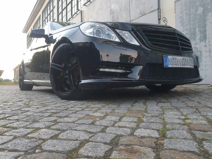 Mercedes-Benz E-Klasse W212 - KV1 Schwarz glänzend