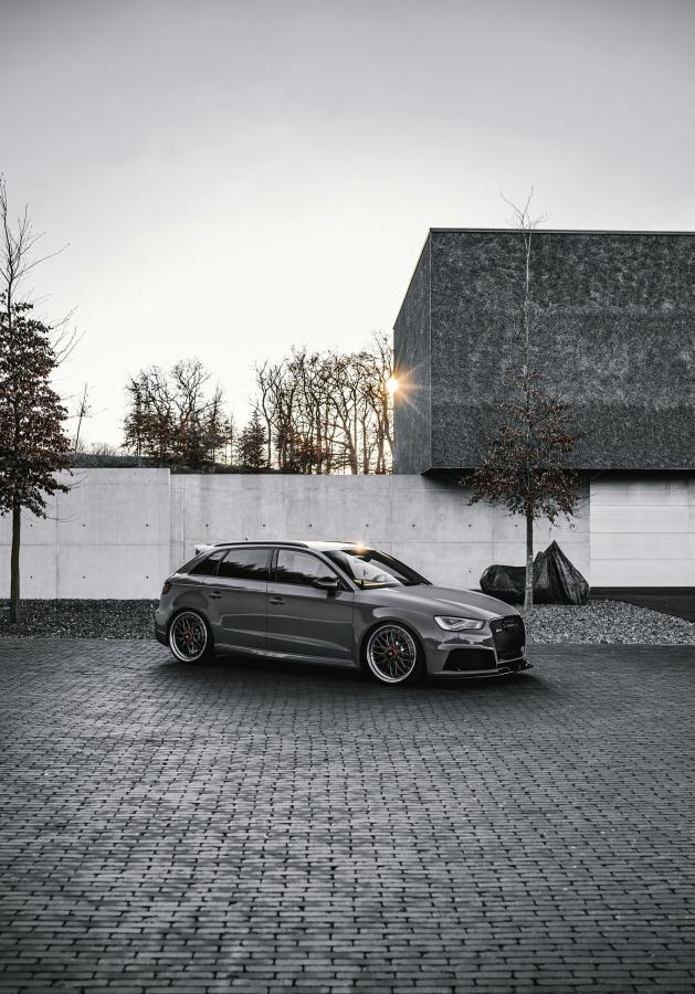 Audi RS3 Sportback - LV1 Grau glänzend poliert