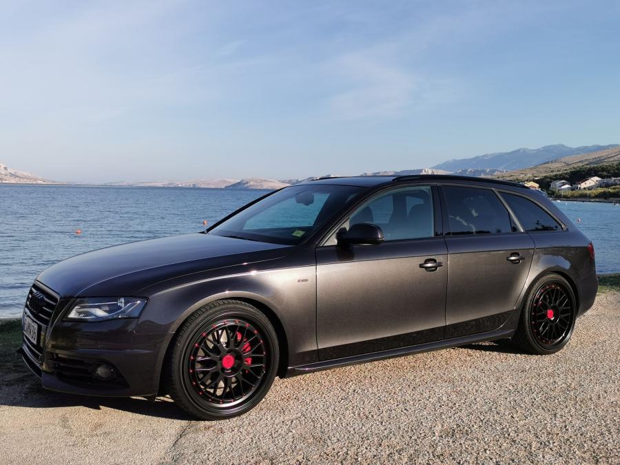 Audi A4 B8 - LV1 Schwarz Matt